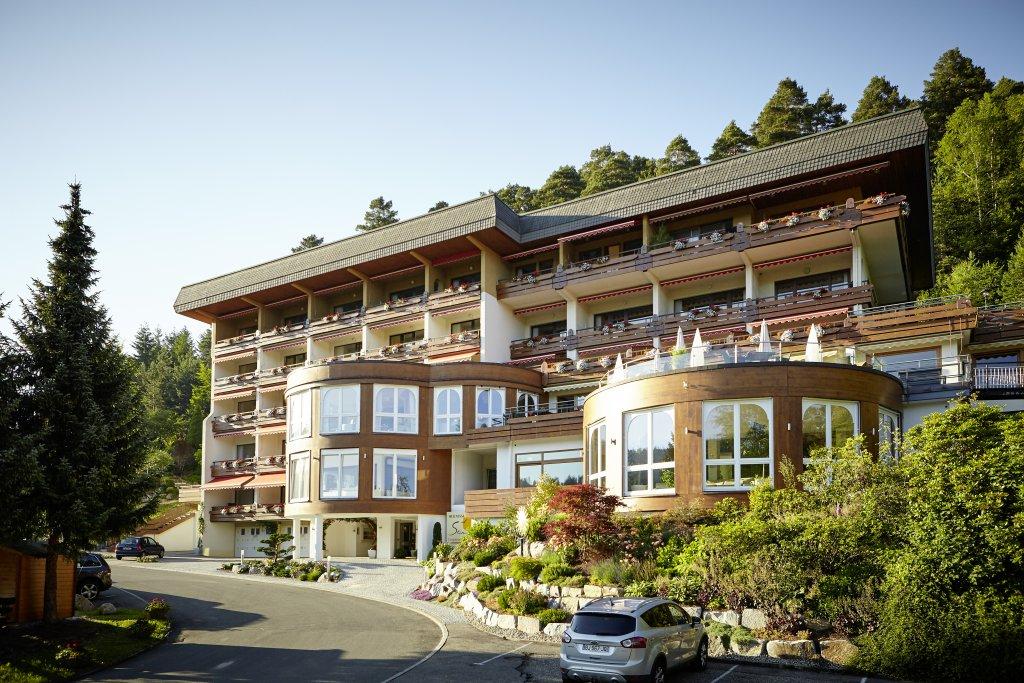 ihr 4 sterne wellnesshotel in baiersbronn tonbach im schwarzwald hotel sonnenhalde. Black Bedroom Furniture Sets. Home Design Ideas